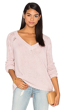Brogan Cashmere Scoop Neck Sweater in Rose