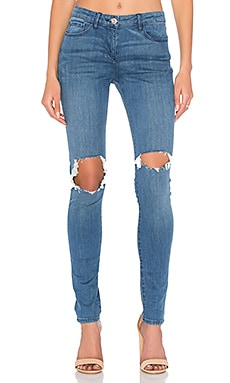 Distressed Skinny in Hina