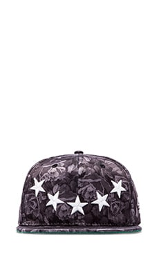 Roses and Stars Hat in Black