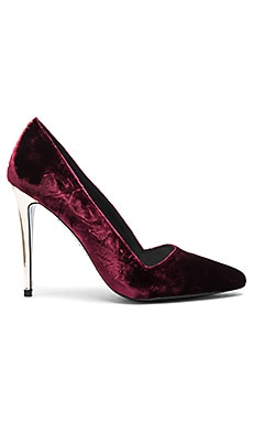 Dina Velvet Heel in Bordeaux