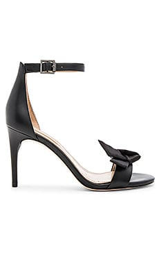 Pavli Heel in Black