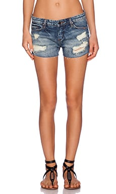 Distressed Short in Keepin' it Real
