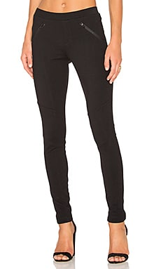 Stretch Twill Zipper Pocket Legging in Black