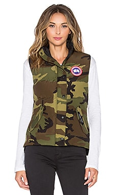 Freestyle Vest in Classic Camo
