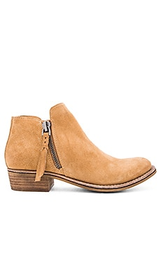 Sutton Bootie in Camel