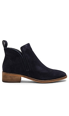 Tessey Bootie in Navy