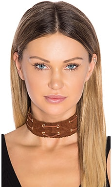 Suede Choker in Brown