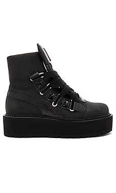 Sneaker Boot in Black