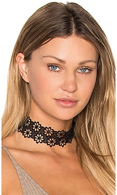 Lacey Daisy Choker in Black