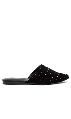 Aderes Flat in Black
