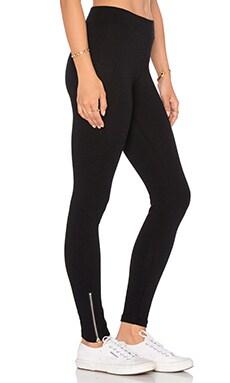 Mid Rise Zipper Legging in Flat Black