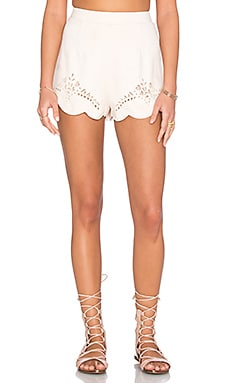 Mandolin Scallop Hem Short in Off White