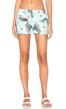 Barely Baggies Shorts in Hibiscus Field Petite Howling Turquoise
