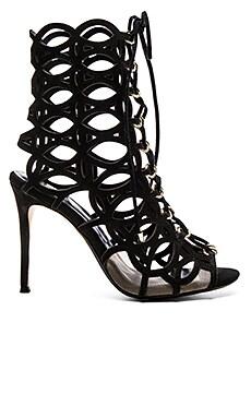 Beatrix Heel in Black