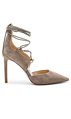 Helaine Heel in Putty