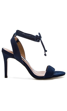 Natlia Heel in Navy