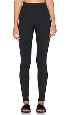 Essential Leggings in Very Black