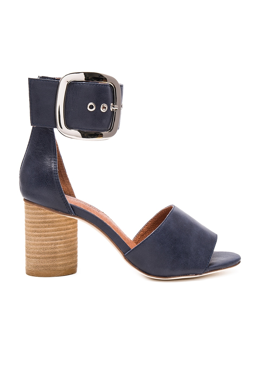 Brendy Sandal