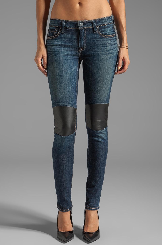 Как сделать коленки у джинсов если они порваны