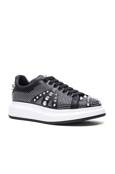 Alexander McQueen Studded Union Jack Larry Leather Sneakers in Black