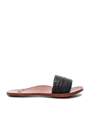 Beek Chickadee Sandals in Black & Tan