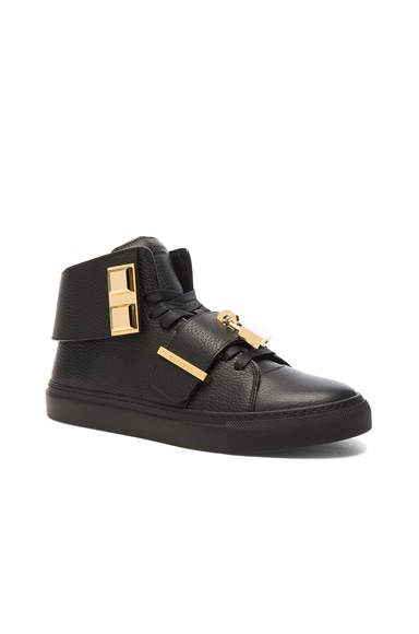Buscemi Pebbled Leather Trap Sneakers in Black