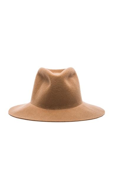 Clyde Short Brim Pinch Hat in Camel