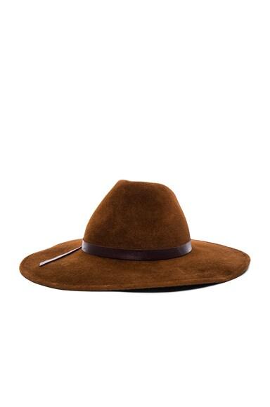 Mae Hat