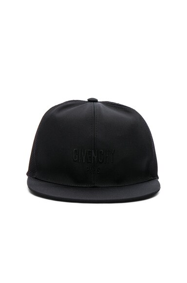 Givenchy Cap in Black