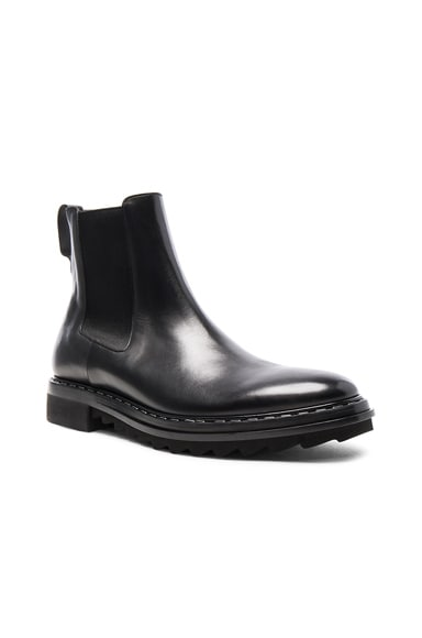 Givenchy Leather Vulcano Chelsea Boots in Black