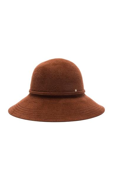 Sadela 9 Hat