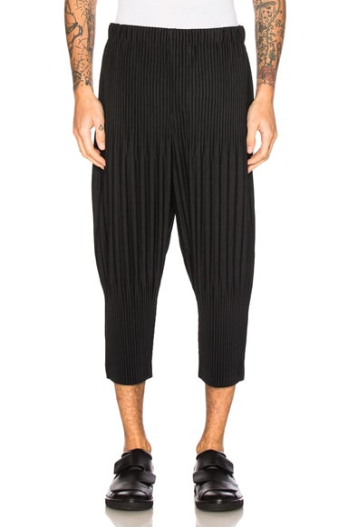 Issey Miyake Homme Plisse Basic Short Pants in Black