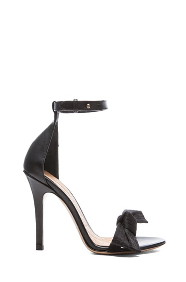 Play Calfskin Leather Pumps