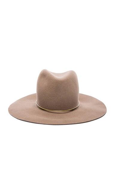 Janessa Leone Lassen Hat in Almond