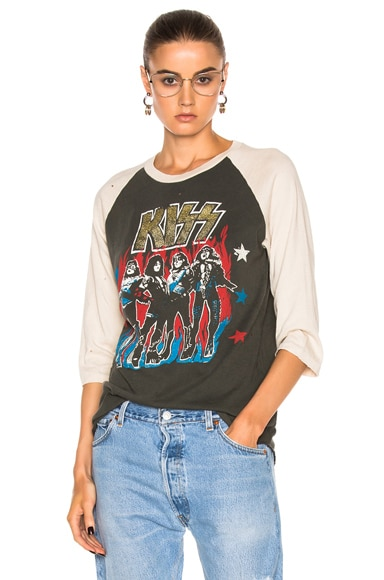 Kiss with Glitter Tee