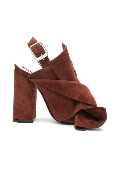 No. 21 Suede Bow Heels in Muscat