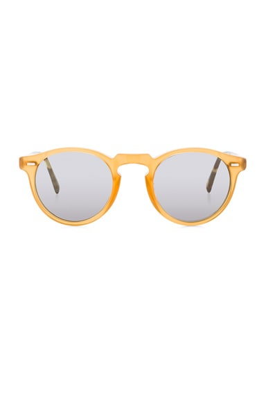 Oliver Peoples Gregory Peck Limited Edition Sunglasses in Amber Vintage