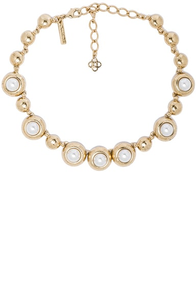 Oscar de la Renta Pearl Necklace in Light Gold