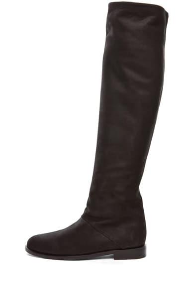 Flat Boot