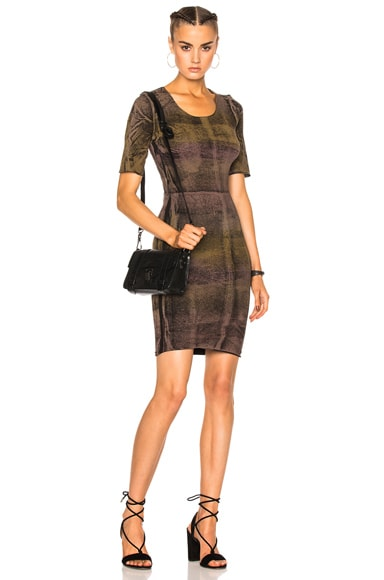 Raquel Allegra Short Sleeve Fitted Dress in Black Gem Tie Dye
