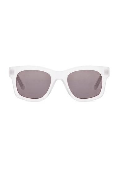 Sun Buddies Type 01 in Smokey White