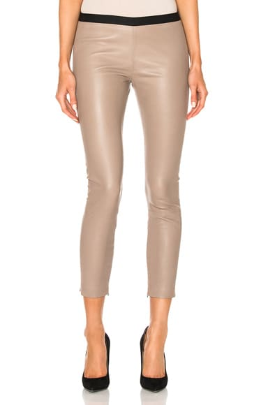 ThePerfext Brittany Cropped Pant in Taupe