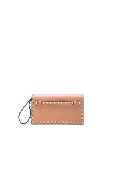 Valentino Rockstud Small Clutch in Skin Sorbet
