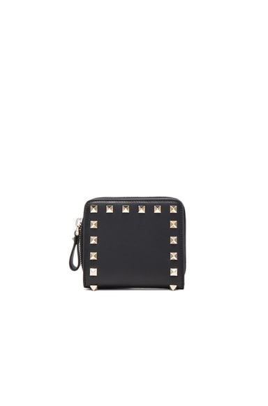 Valentino Rockstud Zip Around Wallet in Nero