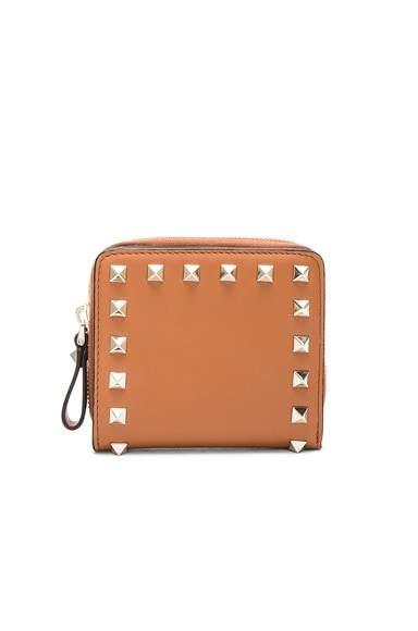 Valentino Rockstud Zip Around Wallet in Light Cuir