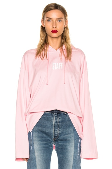 VETEMENTS x Hanes Staff Hoodie in Pink