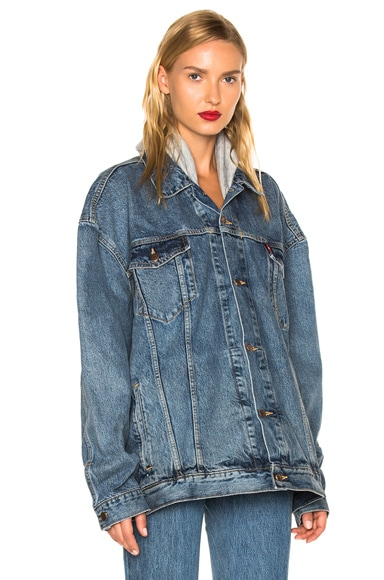 VETEMENTS x Levis Oversized Denim Jacket in Blue