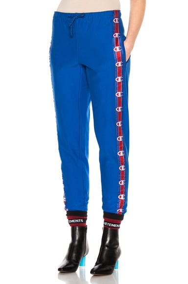 VETEMENTS x Champion Knee Shaped Tape Sweatpants in Blue