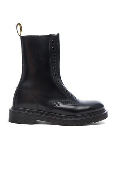 VETEMENTS x Dr. Martens Leather Borderline Boots in Black