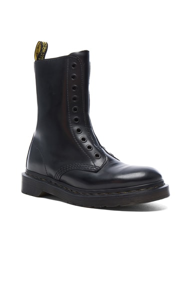 x Dr. Martens Leather Borderline Boots